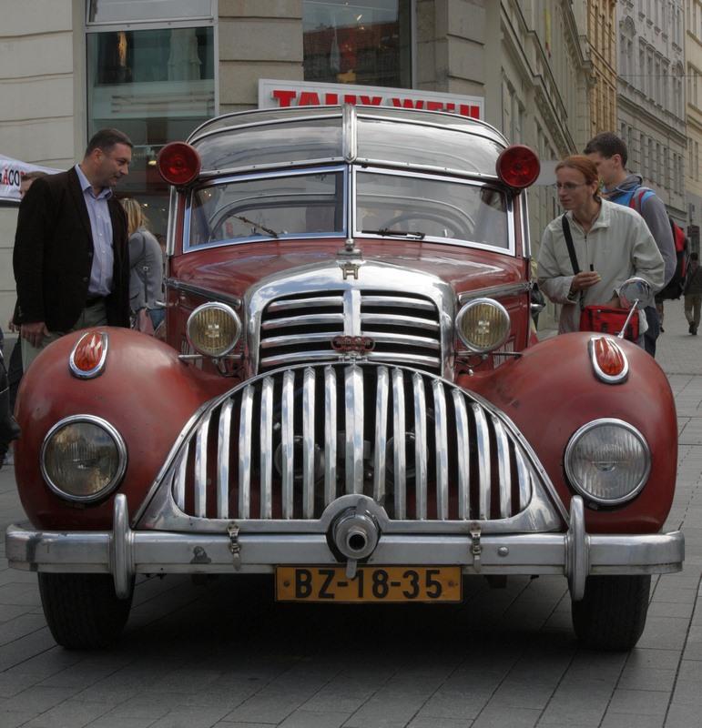 Horch 853 AS 12 Lepil de 1938 – Une voiture de pompier unique Xhorch17