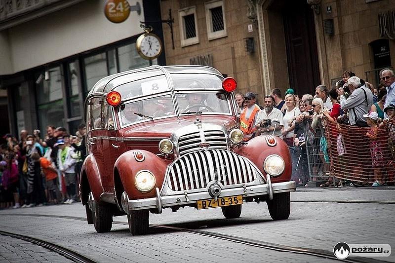 Horch 853 AS 12 Lepil de 1938 – Une voiture de pompier unique Xhorch23