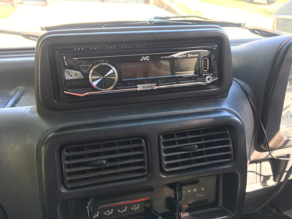 Stereo Install C8e55010