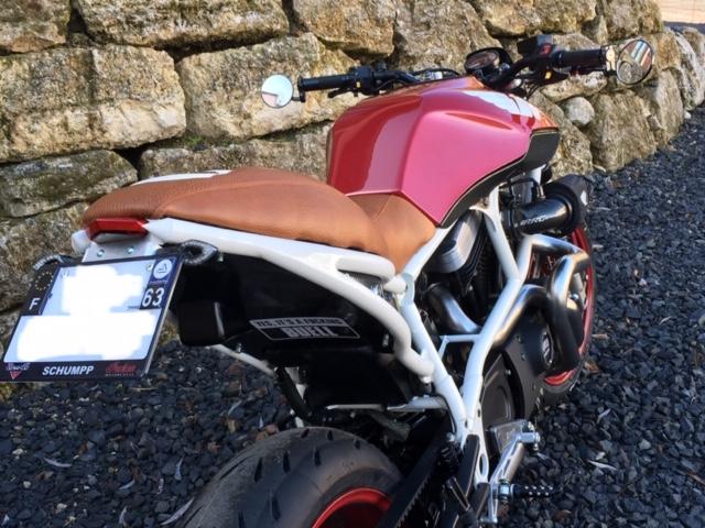 une Buell X1 en Auvergne Exteri15
