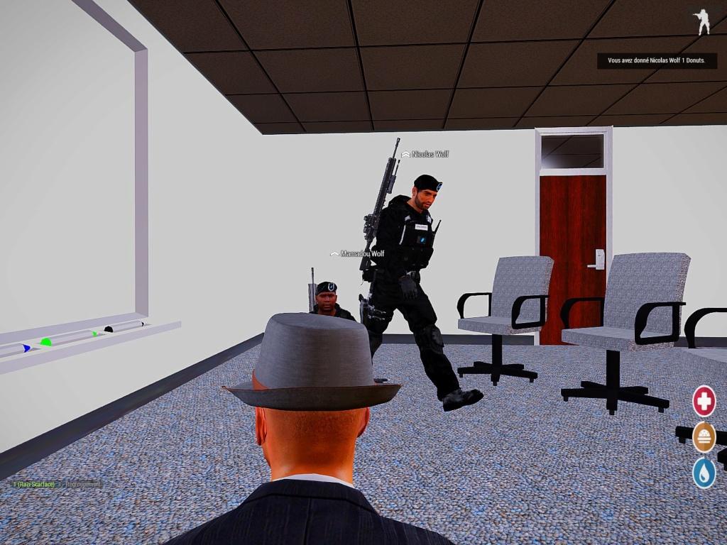 On bois pas des café avec les gendarme nous !  10741010