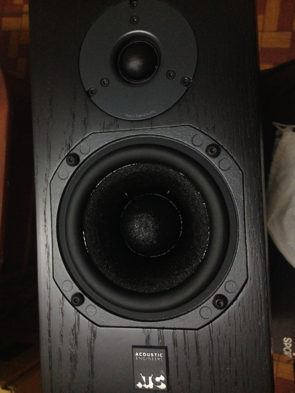 ATC SCM7 V3 Ash black bookshelf speaker (Used) Atcsel10