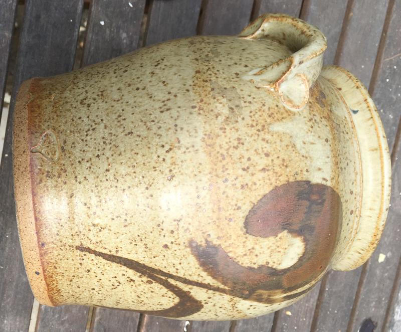 large glazed pot Side10