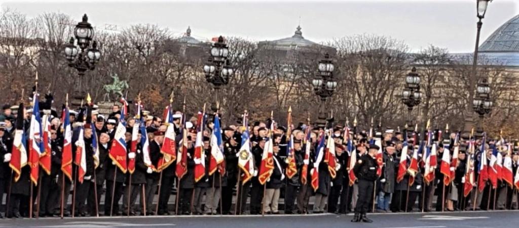 2019/12/02 Respect et Fierté: le peuple a rendu hommage aux corps de nos 13 soldats 13_cer12