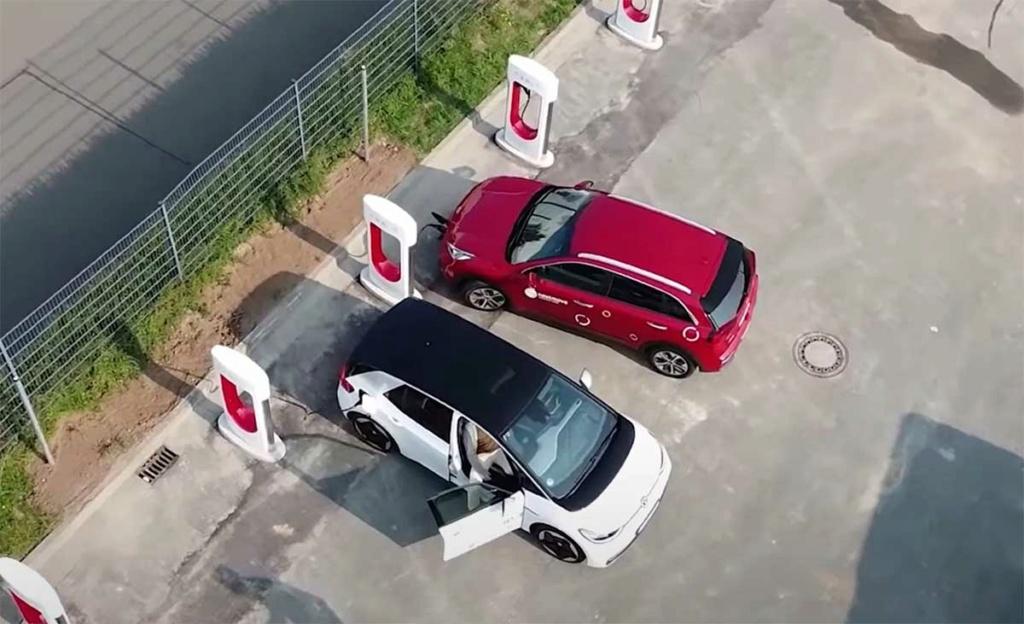 Ouverture des SUC Tesla à toutes les marques Superc10