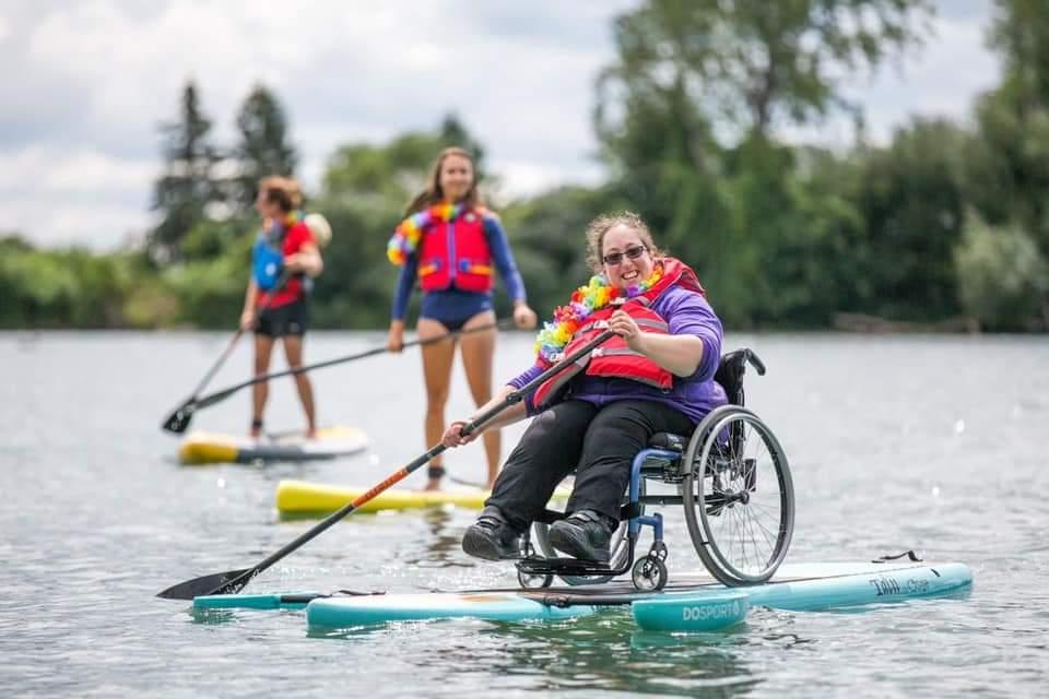 Paddle + fauteuil roulant sanglé, tour du lac du Bourget/canal de Saviere. ~50km en solo sur 2 jours A12a8a10