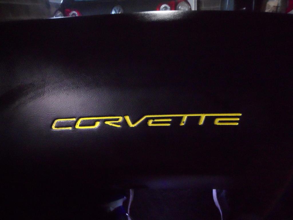 Lettres Corvette sur tableau de bord  Sam_8813