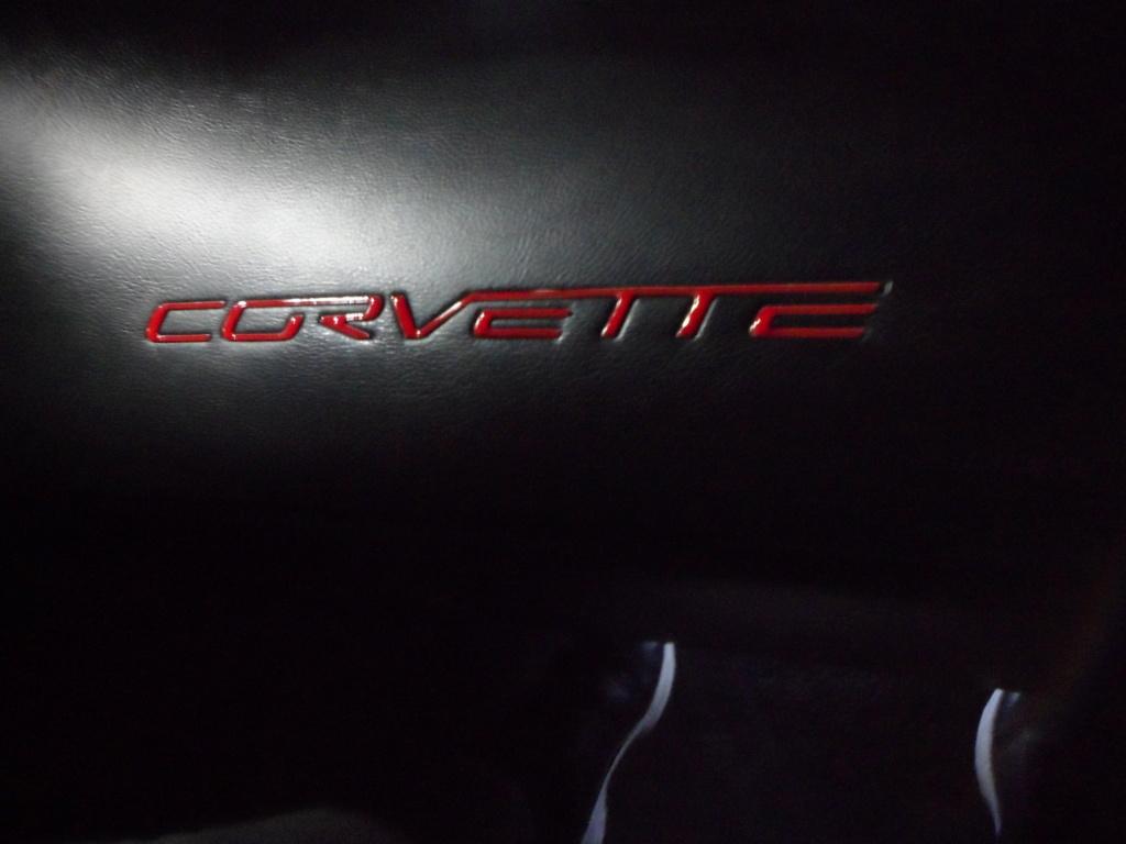 Lettres Corvette sur tableau de bord  Sam_8815