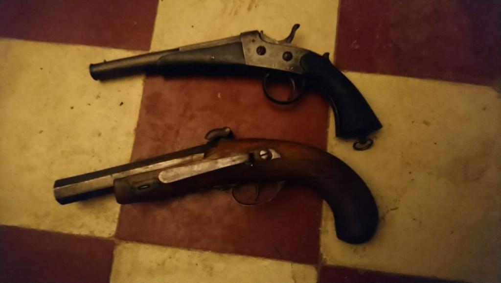 Deux pistolets Photo518