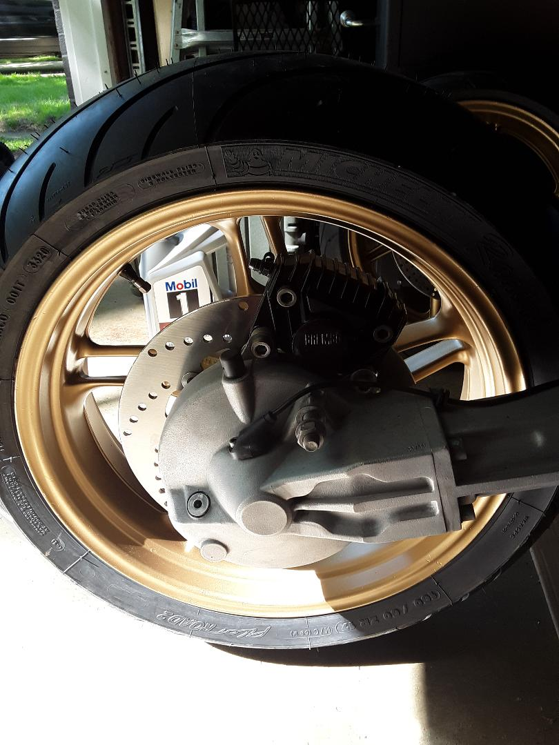 Slotted rear discs in '80s Ks Disc10