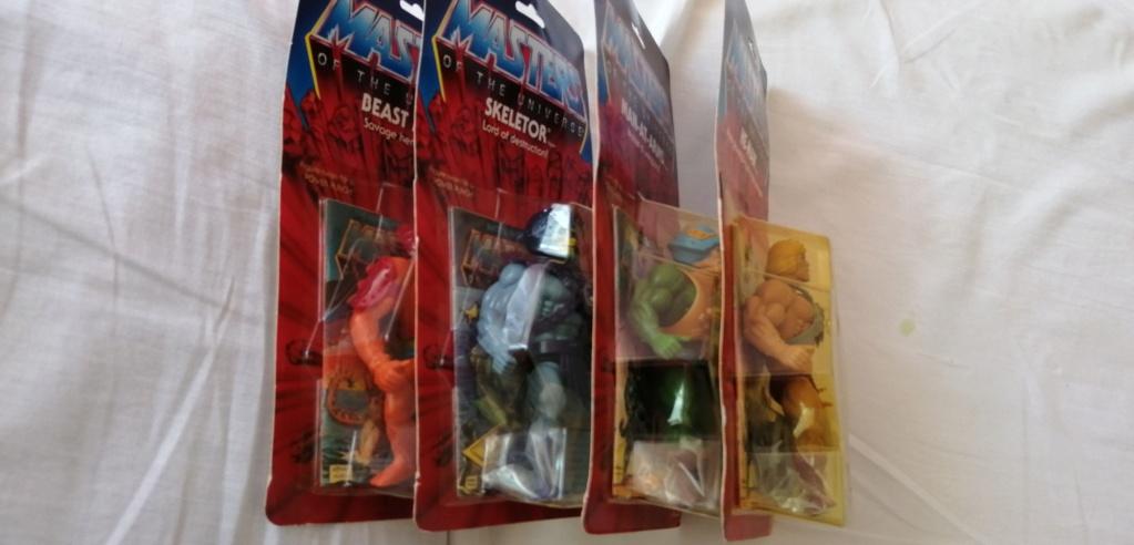 vendo lotto 4 personaggi masters of the universe commemorative Img_2010