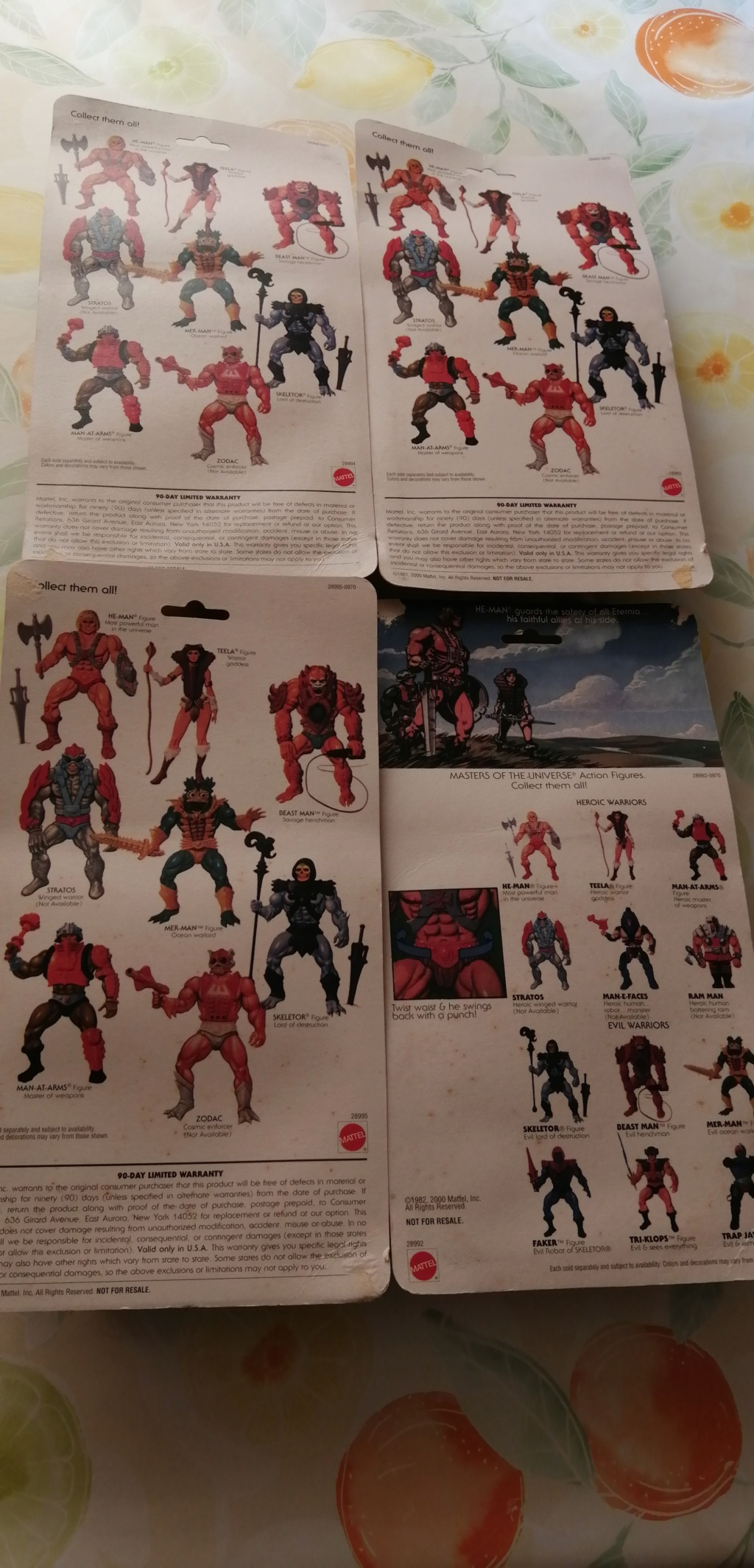 vendo lotto 4 personaggi masters of the universe commemorative Img_2011