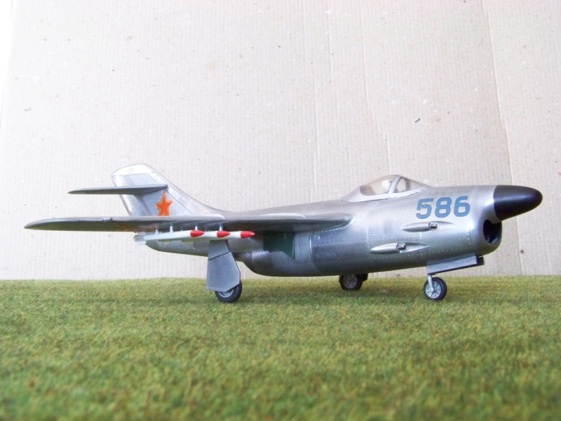 "[Lindberg] - ""Russian MiG 19"" 100_6424"