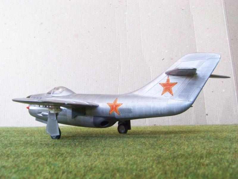 "[Lindberg] - ""Russian MiG 19"" 100_6425"