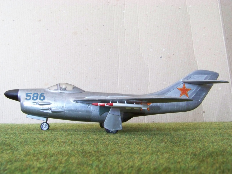 "[Lindberg] - ""Russian MiG 19"" 100_6428"