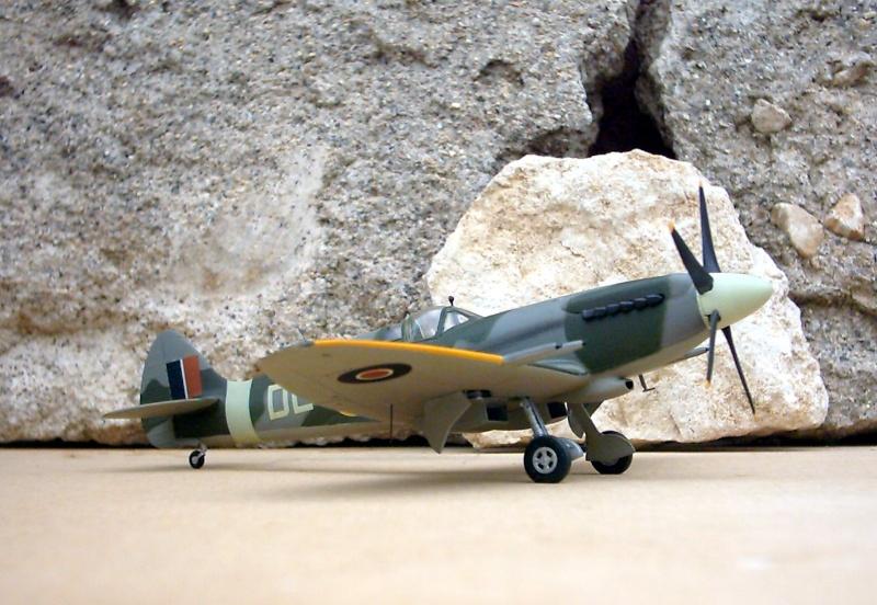 Supermarine Spitfire Mk 21 - Maquette Airfix, 1/48 Superm15