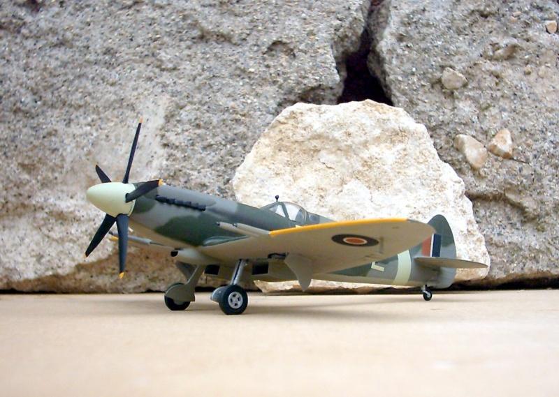 Supermarine Spitfire Mk 21 - Maquette Airfix, 1/48 Superm16