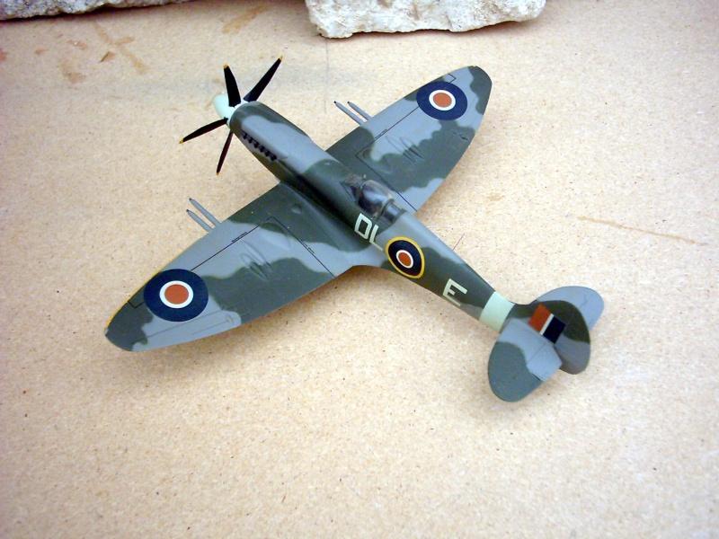 Supermarine Spitfire Mk 21 - Maquette Airfix, 1/48 Superm17