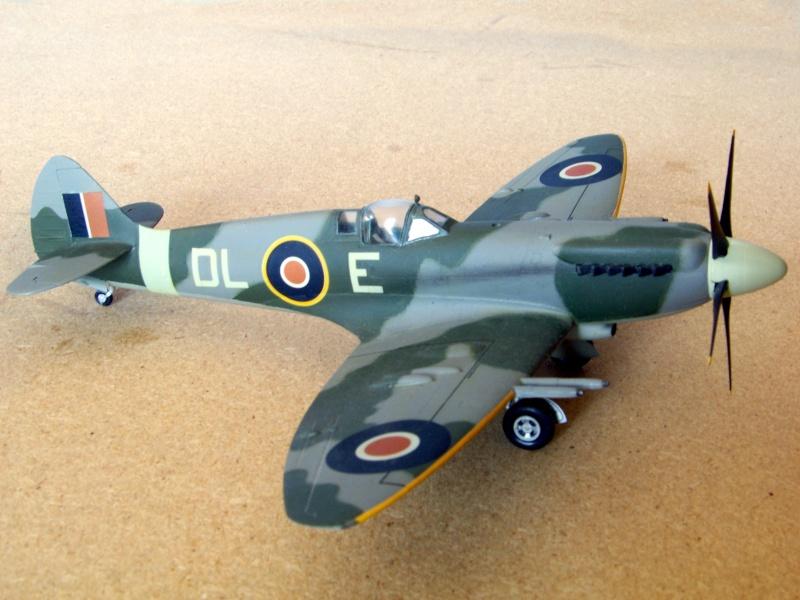 Supermarine Spitfire Mk 21 - Maquette Airfix, 1/48 Superm19