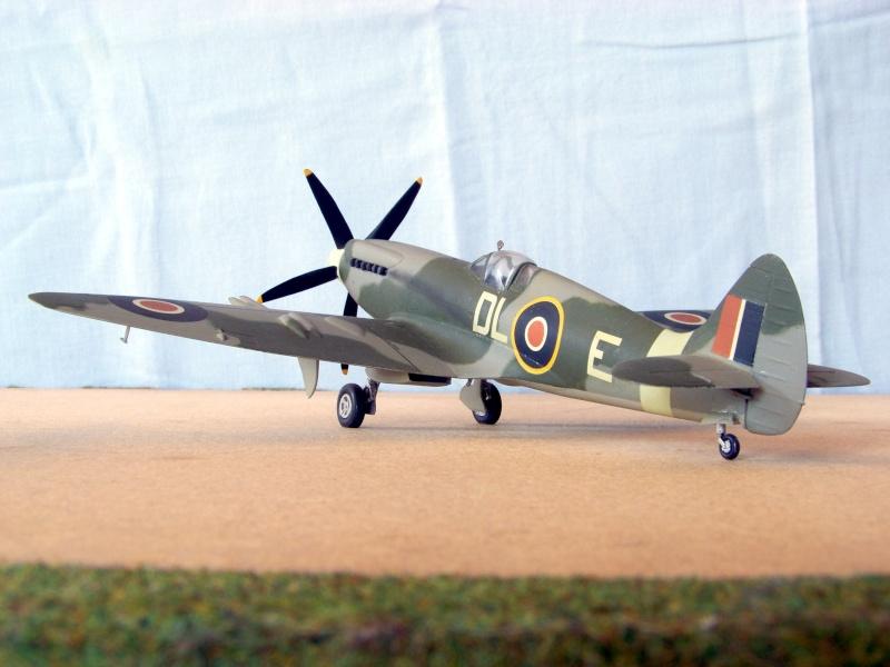 Supermarine Spitfire Mk 21 - Maquette Airfix, 1/48 Superm20
