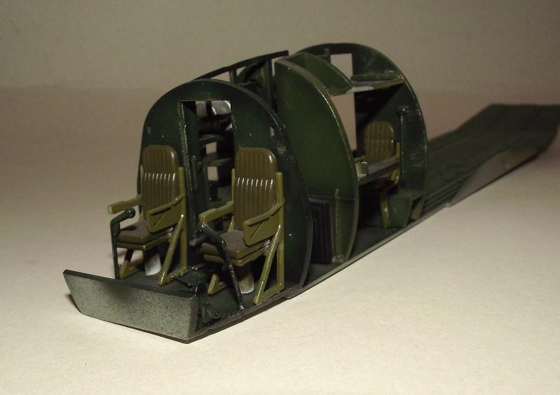 C 47 D Dakota, Aéronautique Navale Française. Trumpetter 1/48 Dscf1659