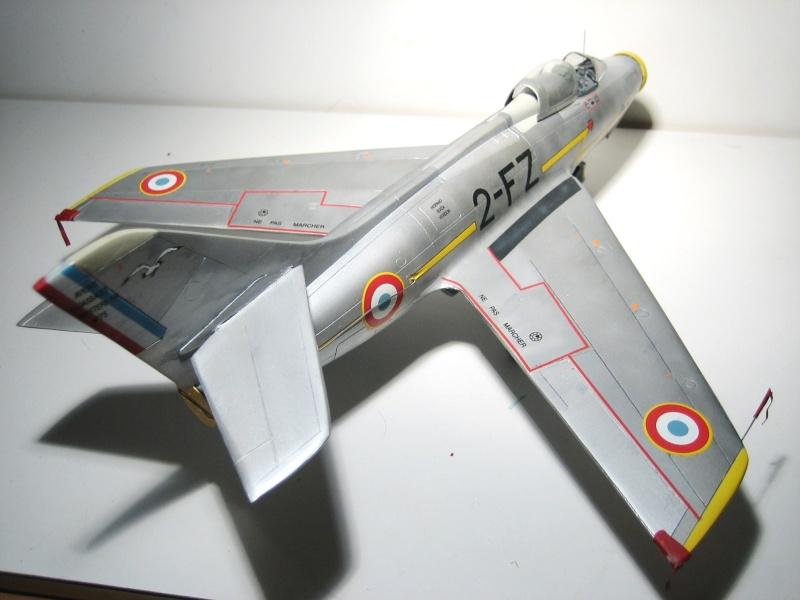 La vitrine de French Air Kit, les aéronefs aux couleurs françaises Img_5477