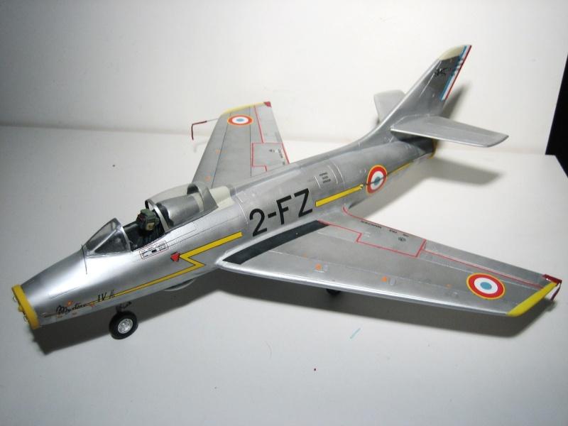 La vitrine de French Air Kit, les aéronefs aux couleurs françaises Img_5479