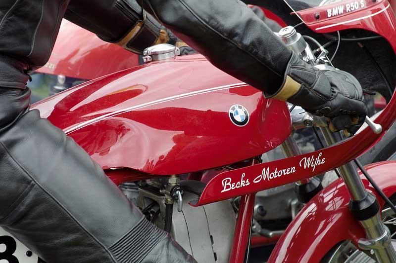 C'est ici qu'on met les bien molles....BMW Café Racer Becks-10