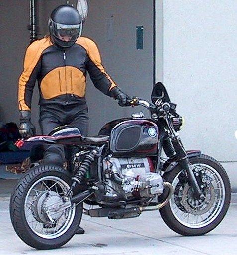 C'est ici qu'on met les bien molles....BMW Café Racer Boxer_10