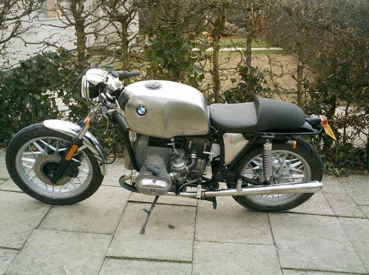 C'est ici qu'on met les bien molles....BMW Café Racer Cafe-r10