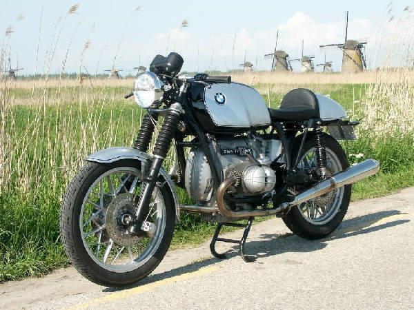 C'est ici qu'on met les bien molles....BMW Café Racer Wim10