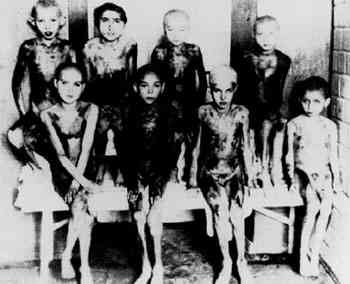 Camps, photos avec des enfants dans le sytsème nazi Aaa10