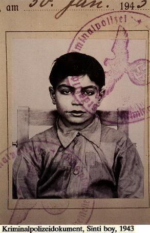 Camps, photos avec des enfants dans le sytsème nazi Aaaa10