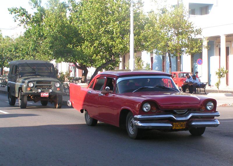 pour les amoureux de vieilles américaines... Cuba_112