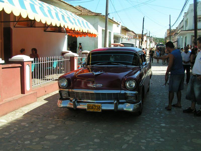 pour les amoureux de vieilles américaines... Cuba_212
