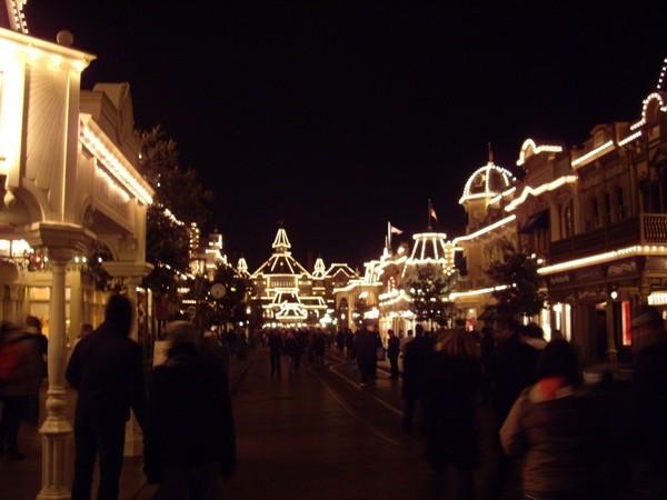 [01.02.09]Disneyland Paris Mainst11