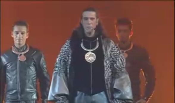 """[Captures DVD] Nuno dans la chanson """"Verone"""" Sans_t26"""