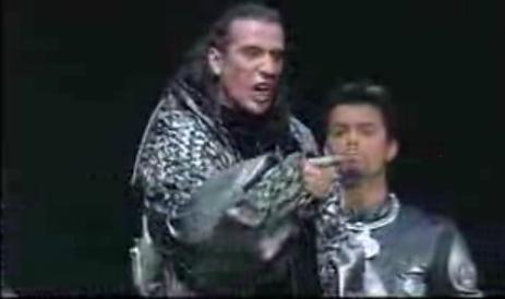 """[Captures DVD] Nuno dans la chanson """"Verone"""" Sans_t37"""