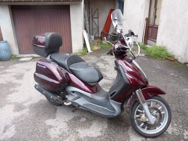 [Test] Porte tout latéral pour nos scooters 3 roues - Page 2 03133810