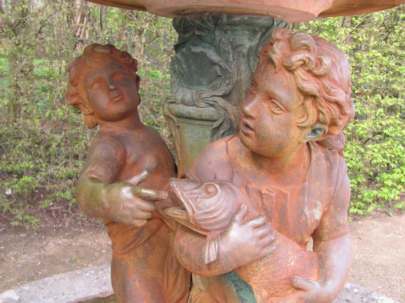 La statuaire dans les jardins de Versailles Img_3024