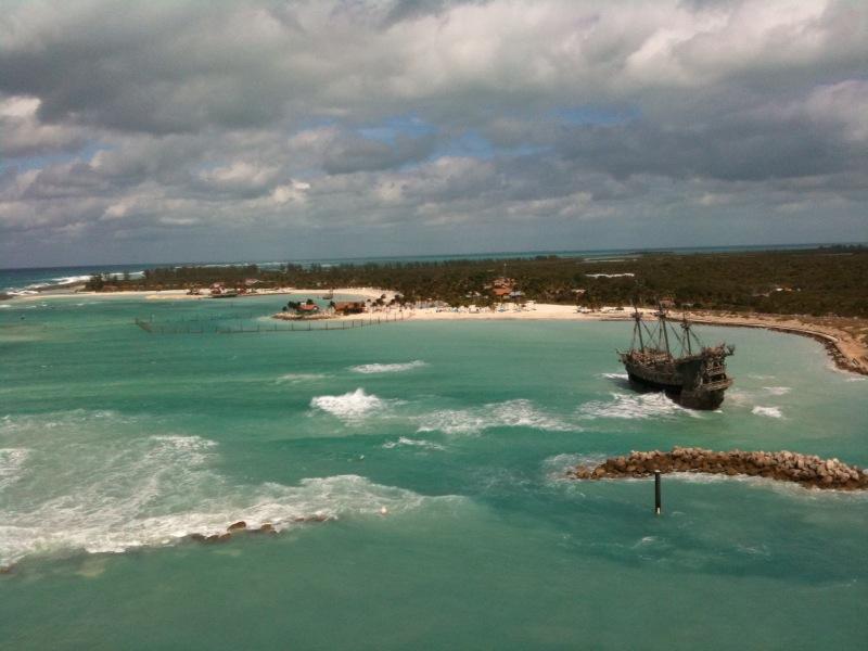 [Insolite] Quand le Disney Magic reste bloqué à Castaway Cay à cause de la tempête Tempet10