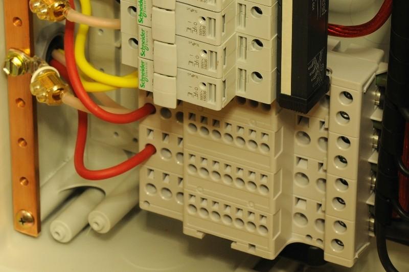 Alimentação Eléctrica no Contexto de Sistemas de Alta-fidelidade F3_dsc10
