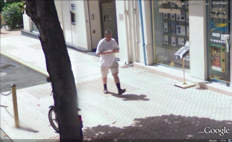 STREET VIEW : les gens en chaussettes noires ! Chauss10