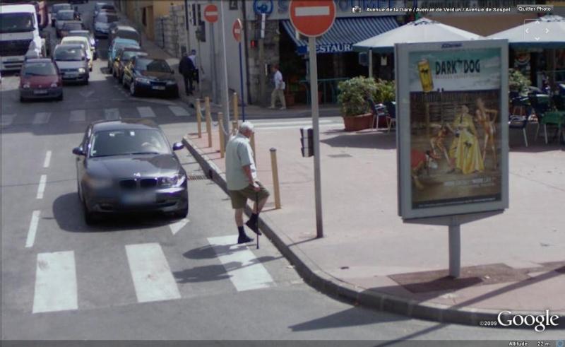 STREET VIEW : les gens en chaussettes noires ! Chauss11