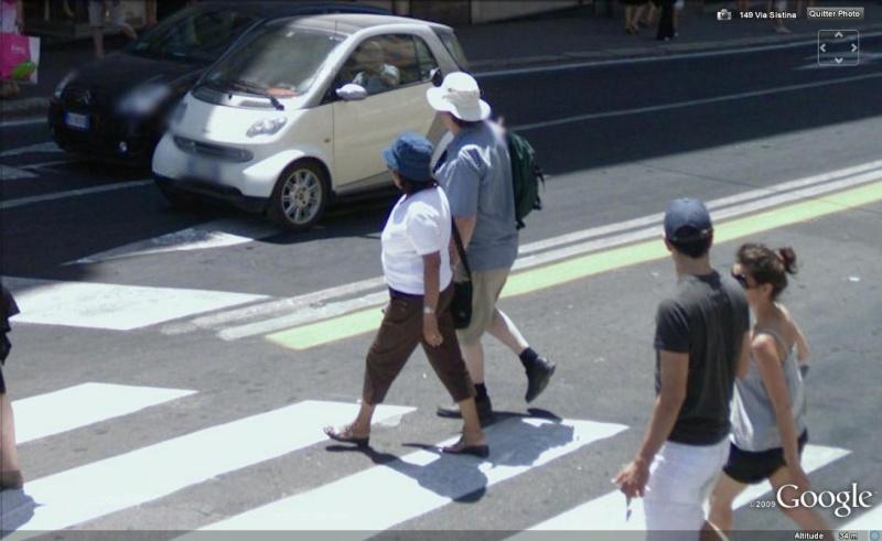 STREET VIEW : les gens en chaussettes noires ! Chauss12