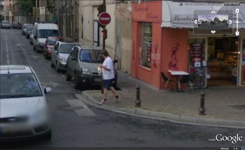 STREET VIEW : les gens en chaussettes noires ! - Page 3 Chauss14