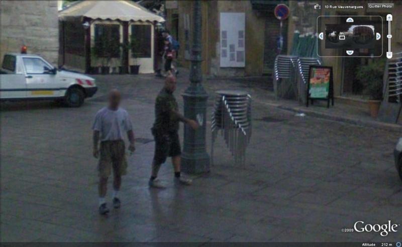 STREET VIEW : les gens en chaussettes noires ! - Page 3 Chauss17