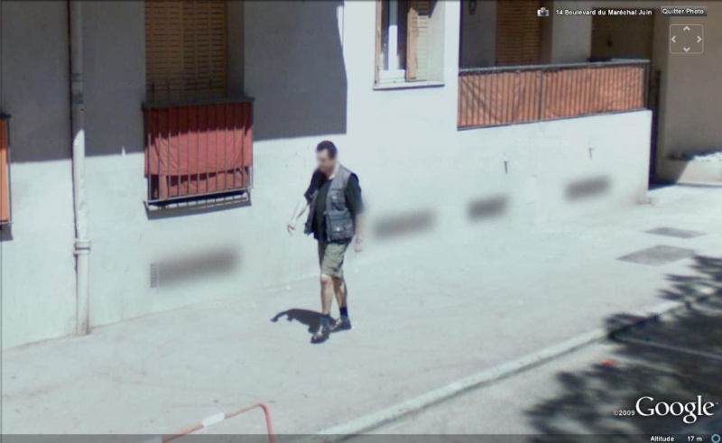 STREET VIEW : les gens en chaussettes noires ! - Page 4 Chauss19