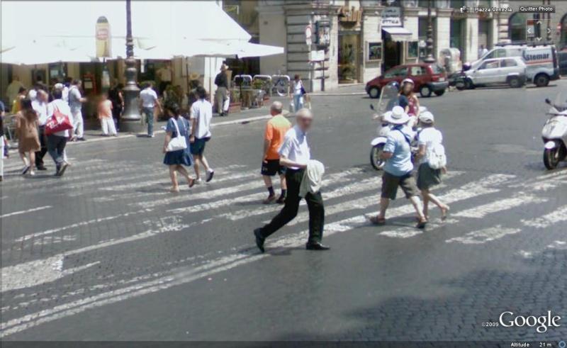 STREET VIEW : les gens en chaussettes noires ! - Page 4 Chauss22