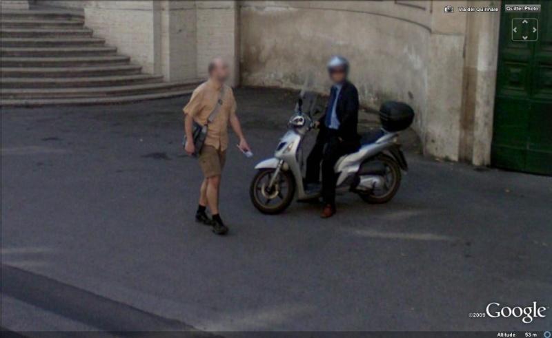 STREET VIEW : les gens en chaussettes noires ! - Page 4 Chauss24